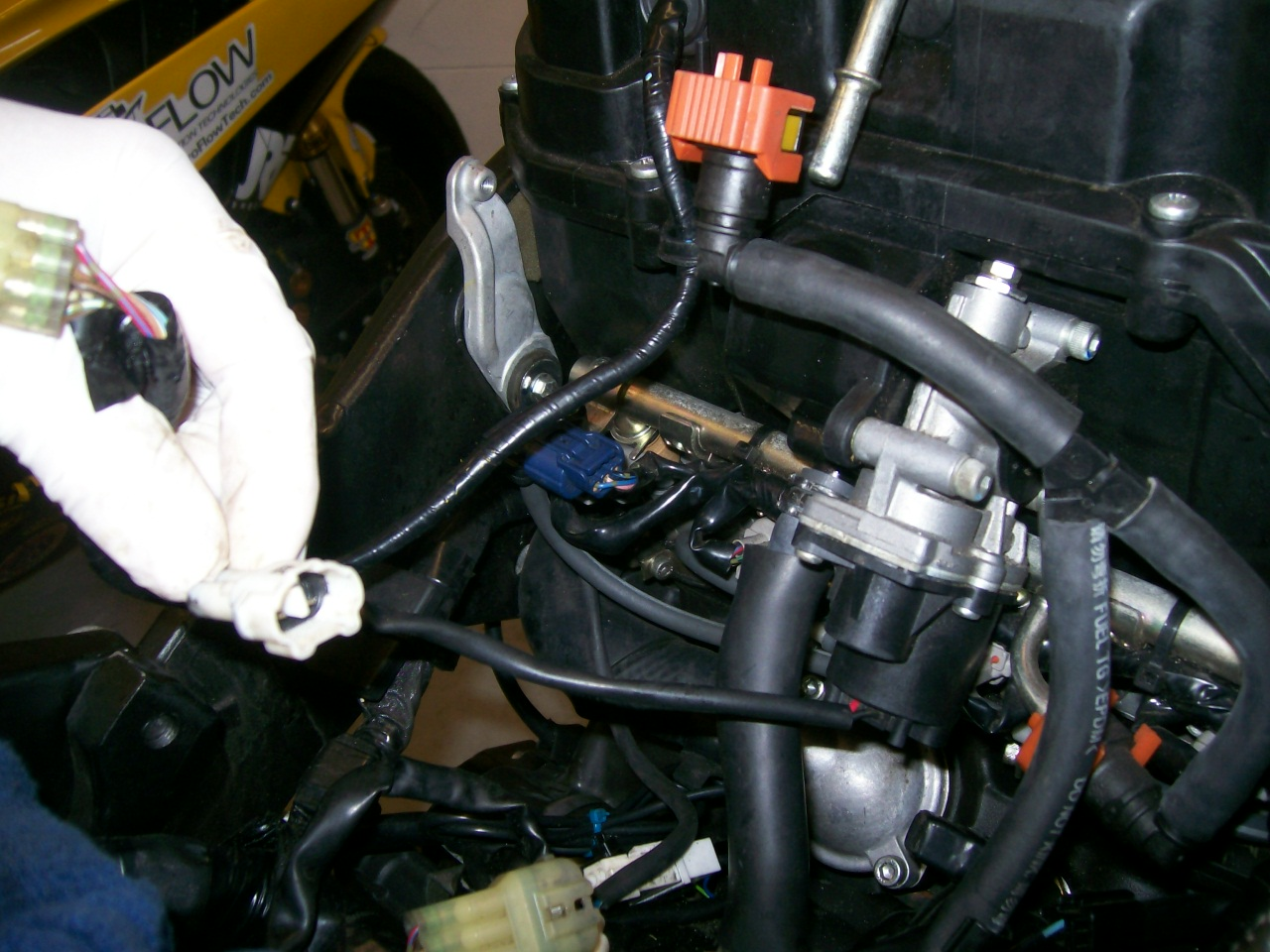 2008 R6 Fuel Pump System Wiring Diagram R1 Librarydisconnect The Air Box Wires Removing Yamaha